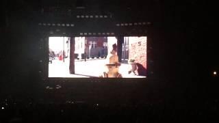 Twenty one pilots red beanie video (Chicago)