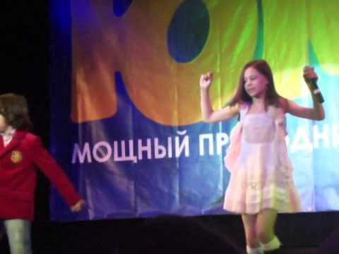 Дети поют Price Tag (Презентация Юмор ТВ)