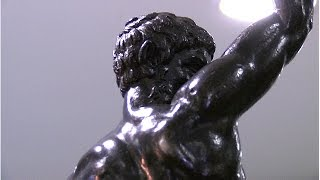 مايكل أنجلو ربما يكون صانع تمثالي البرونز الغامضين