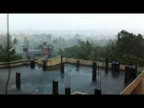 Hud Hud Toofan In Visakhapatnam video