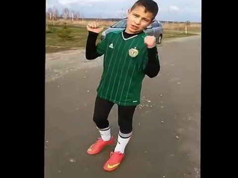Piłka Nożna Z Kumikami #1