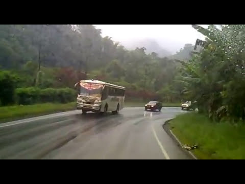 accidente de trailer aloag santo domingo ecuador