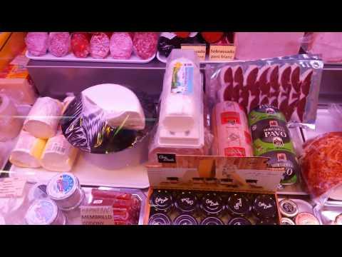 Покупки на рынке Mercat Municipal de Salou в Испании
