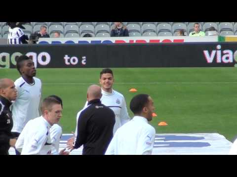 Ben Arfa & Sammy Ameobi Warm Up - Newcastle United