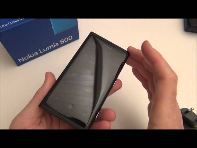 Nokia Lumia 800 -  Video unboxing by oissela