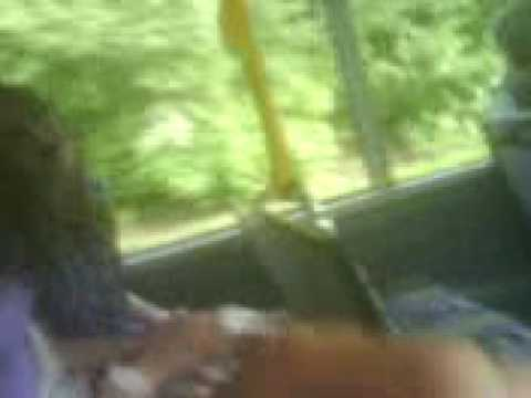 zeuggaating- Leigh, Zara, Rosie, Emma and Lucy Singn on the bus :) x Video