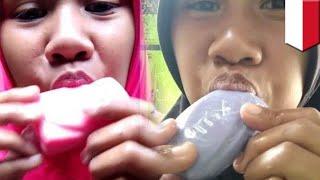 Wanita makan berbagai jenis merek sabun supaya viral - TomoNews