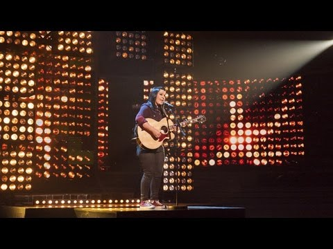 Lucy Spraggan sings Mountains -  Live Week 1 - The X Factor UK 2012