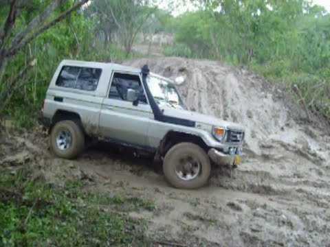 machito 4x4 batiendo barro