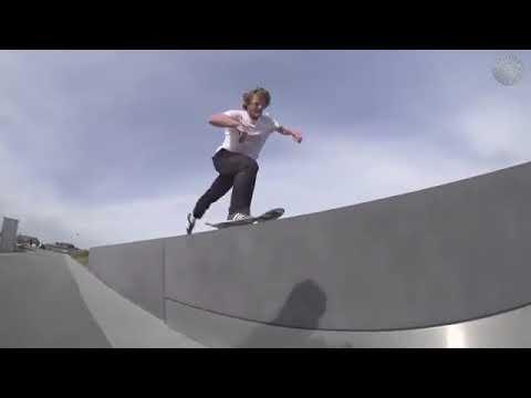 Charging with with @dennisbusenitz2 🎥: @sackmarf | Shralpin Skateboarding