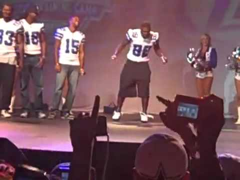 Dez Bryand doin the dougie at Dallas Cowboys Training Camp.