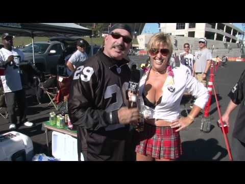 Raiders Bury Seahawks 33-3 in Oakland on Halloween 2010