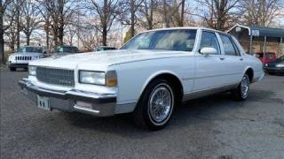 1990 Chevrolet Caprice Classic Start Up, Exhaust, and In Depth Tour