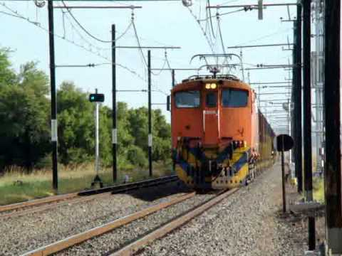 Transnet Freight Rail Class 6E1s at Slypklip, NC, South Africa