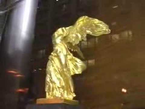 Gilded Winged Victory, 131 S. Dearborn Video