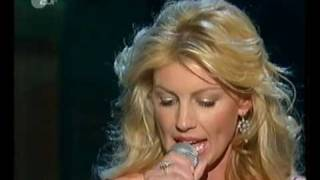 Faith Hill - When The Lights Go Down - live