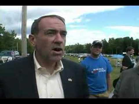Huckabee Loves 10th Amendment, Won't Pledge to End Raids Video