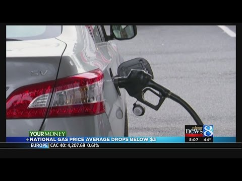 National gas price average drops below $3