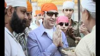 boolywood actor gulshan garover in golden temple