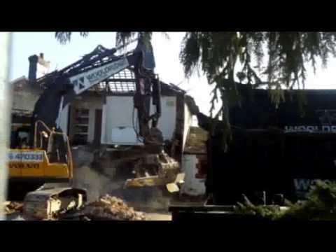 Demolishing the Railway Hotel pub, in Whitchurch, Hampshire, UK
