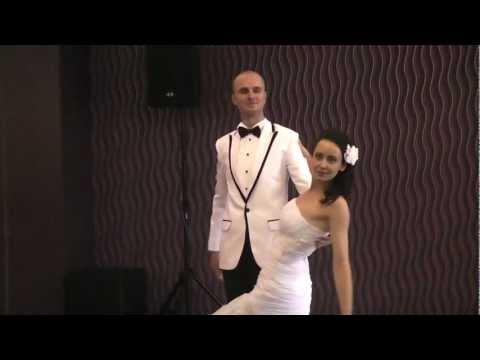 Un vals de exceptie   17 septembrie 2011, Iulia si Mihai