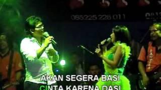 download lagu Dasi & Gincu-Ria Mustika Feat Gerry Mahesa-New Pallapa Live gratis