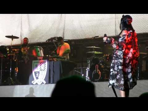 "Eminem & Rihanna @ Lollapalooza 2014- ""The Monster"" (720p) 8-1-2014"
