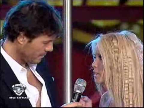 Showmatch 2009 - Dallys Ferreira muestra su lengua