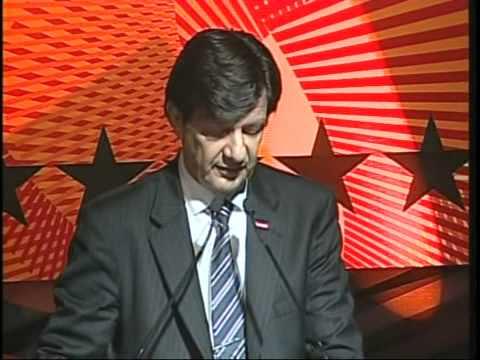 "Roberto Set�bal (Ita�): ""Ao final de 8 anos de seu mandato, o Pa�s se reencontrou"""