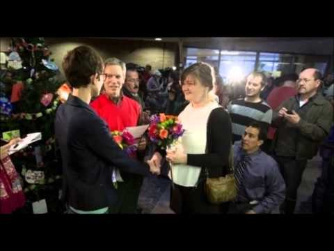 Gay Marriages Put On Hold By Judge In Utah
