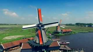 "Dutch windmills on the ""Zaanse schans"" (4K)"