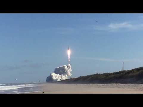 SpaceX Falcon Heavy Landing - Sound of Sonic Booms