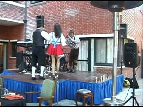 Beer Barrel Polka with dancers