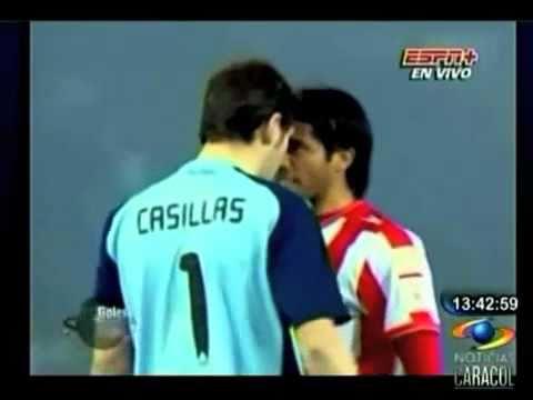Iker Casillas contra Fabián Vargas
