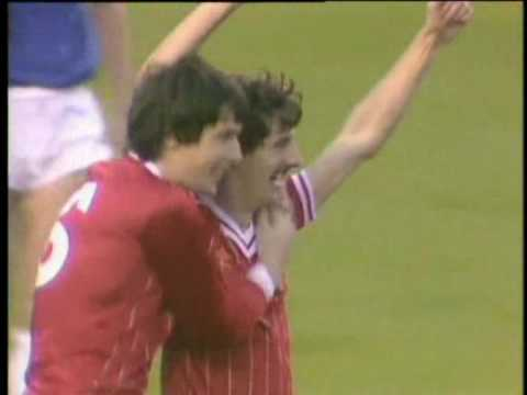 Liverpool Demolishing Everton 5 - 0 ( Merseyside Derby With Brittish Commentary ) 6 November 1982