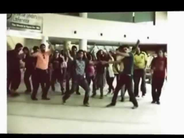 PAKISTAN TEHREEK E INSAF (PTI) ,WATCH CHANGE,BOYS & GIRLS DANCING IN UNIVERSITY CAMPUS