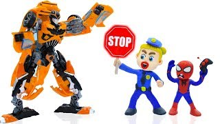 POLICE STOPS BABY TRANSFORMERS BUMBLEBEE 💖 Play Doh Cartoons Animation