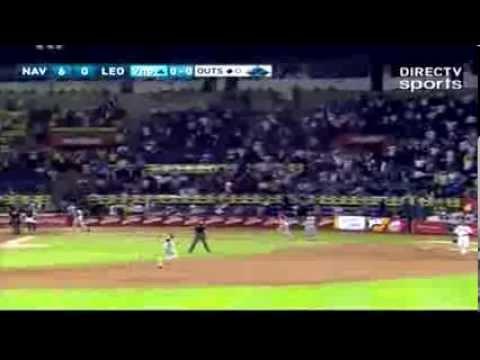 Jonrón de Renny Osuna en el encuentro Magallanes vs Caracas del 04-12-2013, que coloco la pizarra final 10x0 a favor de los Turcos en el 9no inning.