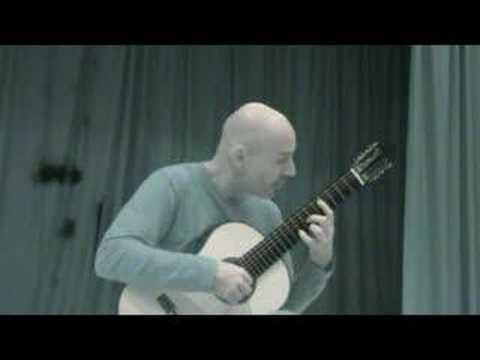 Frank Bungarten plays Burgalesa by Moreno Torroba