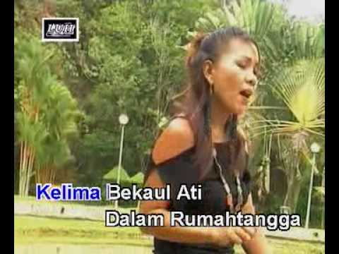 Nuan Ukai Di Pilih Aku - Urai video