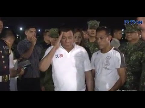 DFA sec. Alan Cayetano, who represented PRRD during the flag-raising ceremony in Luneta explained that PRRD is tired & slept late night after attending wakes of soldiers. share if you agree...