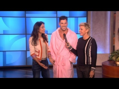 Maksim Chmerkovskiy Gets Splashed