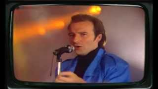 Watch Midge Ure That Certain Smile video