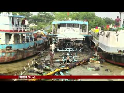 BBC News   Attempts to control Sunderbans oil spill in Bangladesh