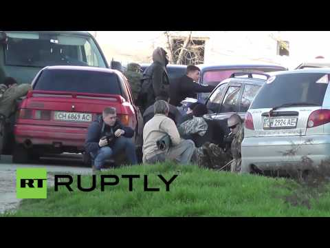 Russia: Chaotic scenes outside Crimea's Belbek airbase