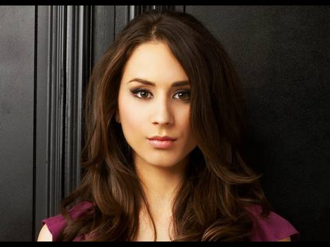 Troian Bellisario Interview: Pretty Little Liars  (ABC Family)
