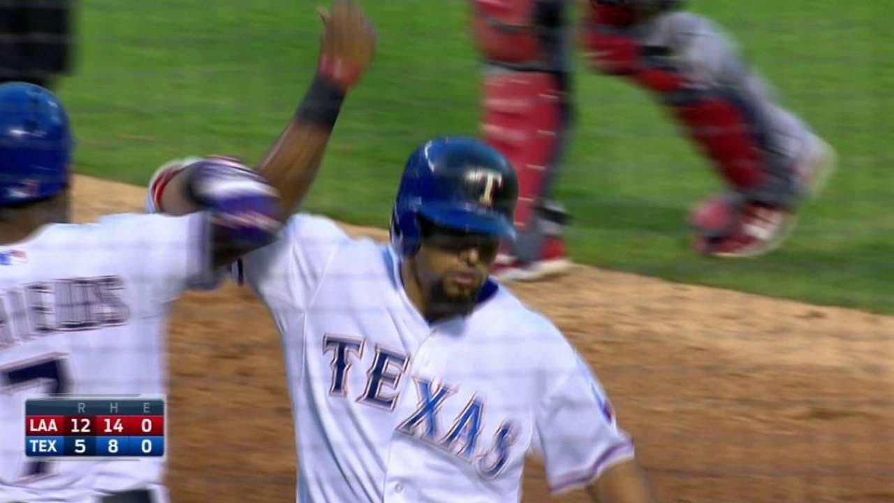 LAA@TEX: Odor hits a two-run shot to right-center