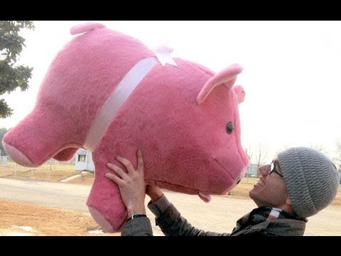 giant stuffed pink pig 32 inches long big plush stuffed soft made in the usa youtube. Black Bedroom Furniture Sets. Home Design Ideas