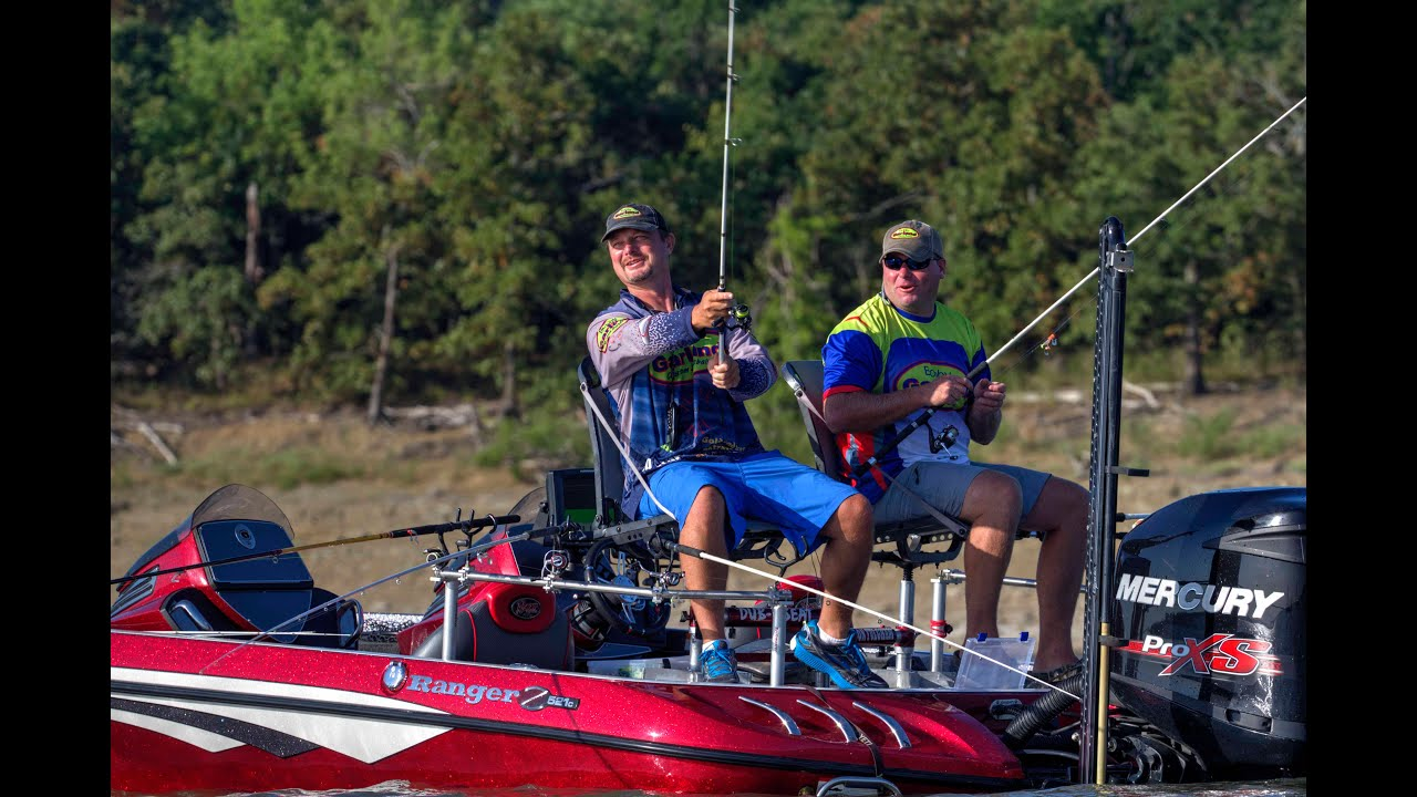 Longlining for crappie with Bobby Garland Crappie Baits Pro Brad Chappell and Brandon Fulgham