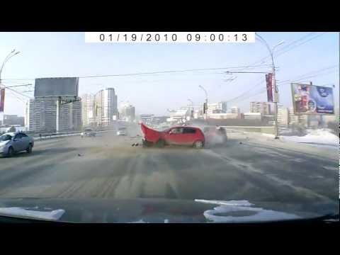 Жесть авария 3 авто в Новосибирске